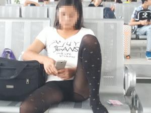 火车站里熟女豪放坐姿
