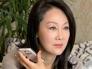 王姬首谈17岁智障儿子 病因揭秘后王姬悔不当初以泪洗面