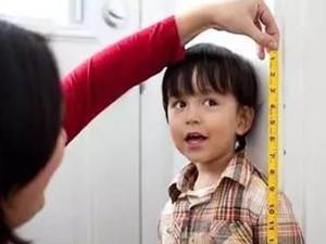 儿童免票标准再起争议 以身高恒定备受群众质疑