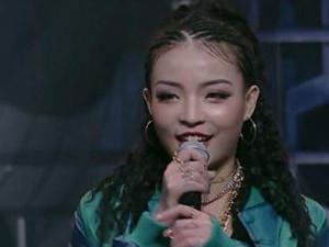 中国有嘻哈vava乳房怎么回事 vava微博比基