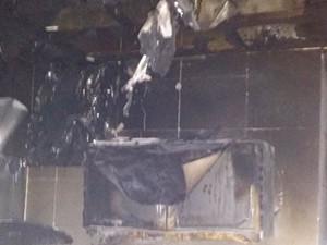 猫咪半夜开电磁炉 厨房被烧也找不到凶手是谁