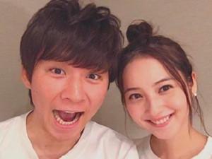 佐佐木希嫁给搞笑艺人 她嫁给大15岁男星渡