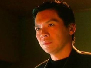 龙五的扮演者向华强背景介绍 香港影视大亨