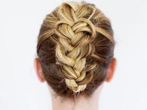 女生自己可以编的简单发型 让你随时随地编出喜欢发型