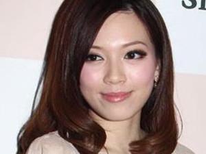 黄芷晴和翁美玲好像 两人对比照曝光长相惊人相似