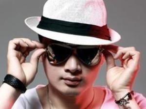 歌手张枫是谁 张枫个人资料被揭他曾是刘德