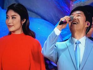 陈慧琳和费玉清什么关系 两人春晚同台演唱