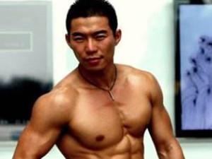 京城四大名鸭赵天辉是谁 赵天辉竟是黄晓明的私人健身教练