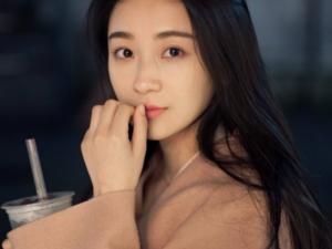 演员陈梦希图片 陈梦希家里到底是做什么的