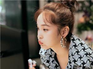 张佳宁结婚照 演员张佳宁的老公是谁他是做