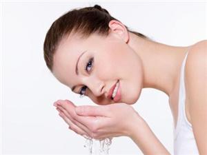 醋洗脸可以祛斑吗 分享白醋加姜片三天祛斑法