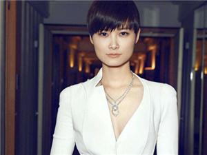 李宇春的老公是老外吗 隐婚多年竟然嫁给他