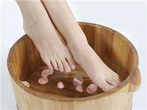 用醋泡脚有什么好处 揭秘用醋泡脚可不可以去除脚气