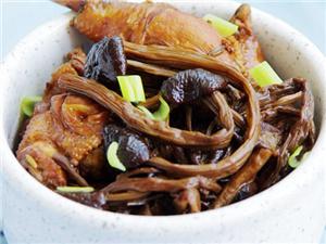 干茶树菇炖鸡汤的做法 简简单单几步搞定手残党亦轻松get