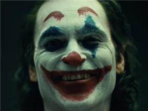 小丑的嘴巴是怎么被割破的 小丑的嘴巴是真