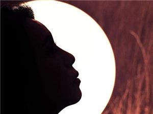 白月光什么意思 一般用来特指什么人