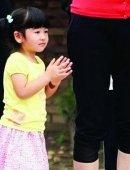 姚明3岁女儿身高直逼郭敬明