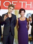 韩国人气组合JYJ北京开个唱 大秀中文和汉字