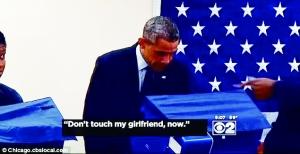"""奥巴马投票时遭男子警告""""别碰我女朋友"""""""