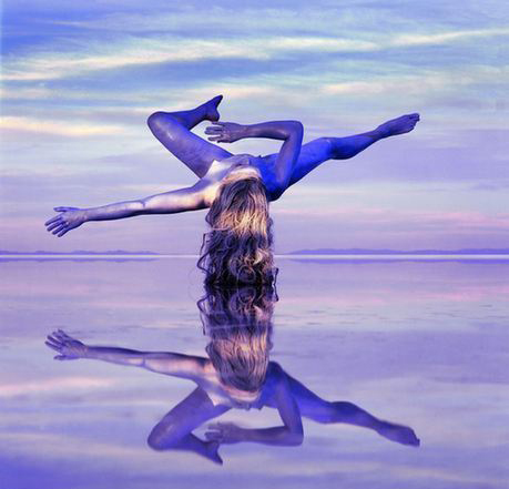 与自然完美结合的人体艺术让人体与自然几近