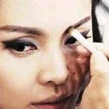 如何画猫眼妆