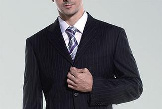 男士参加婚礼穿什么好
