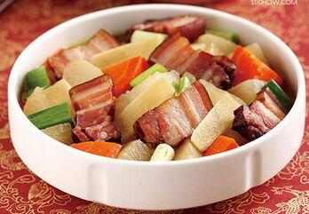 腊肉炖萝卜的做法
