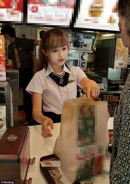 台湾麦当劳最萌女店员走红