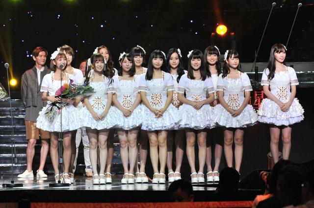 SNH48获年度风尚偶像组合奖 粉丝彪悍惊动安