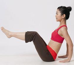 减肥瑜伽瘦出火辣身材