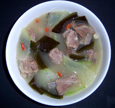 薏仁海带排骨汤的做法