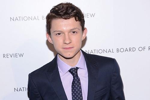 《新蜘蛛侠》男主角年龄15岁