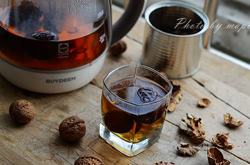 核桃分心木红枣茶的做法