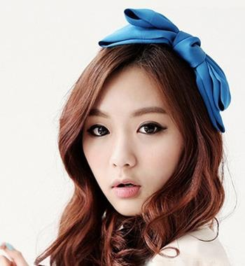 韩国女生打造别致甜美发型