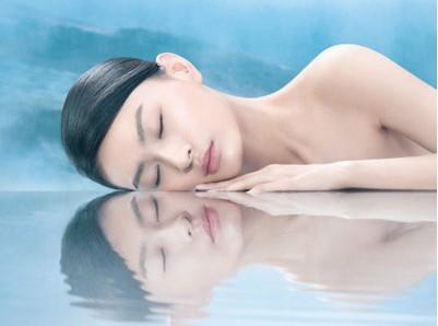 皮肤干燥用什么补水的