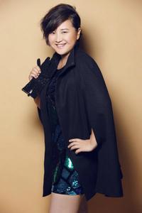 贾玲是姜昆的私生女是真的吗