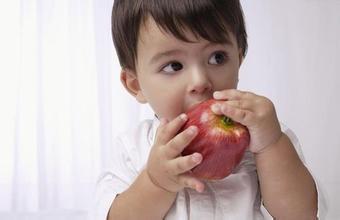吃什么水果对治疗痘痘好