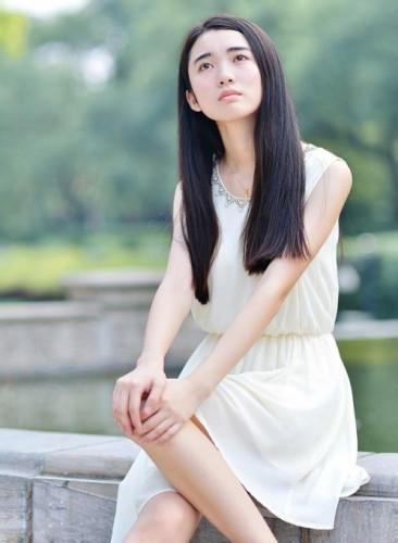 北京女大学生文艺古典气质写真图片