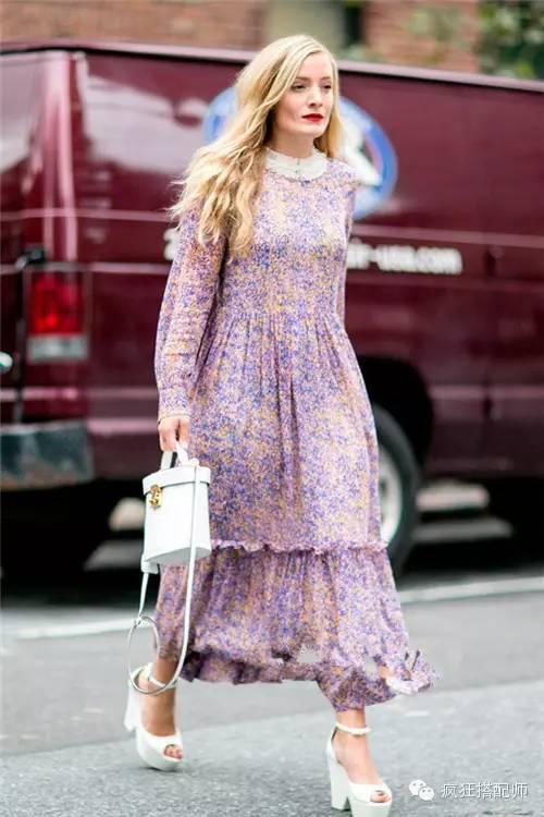 印花连衣裙搭配什么鞋子