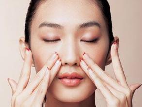 脸部护肤品的使用顺序