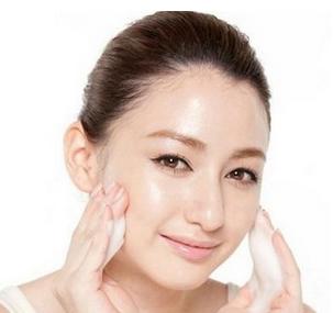 用什么洗脸可以变白