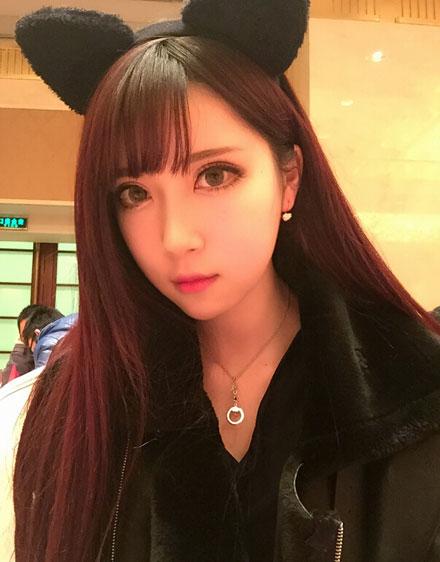 2015CJ银汉展台ShowGirl张佳琳自拍照