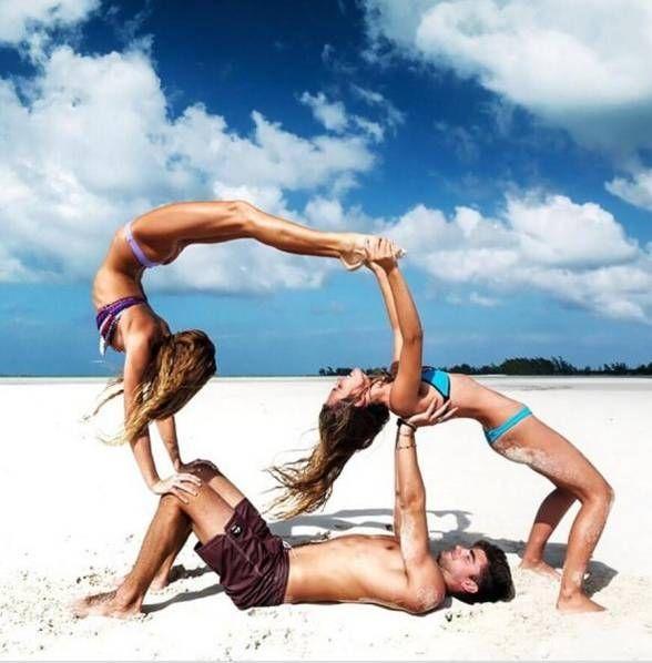 21岁妹子玩瑜伽展现完美身材