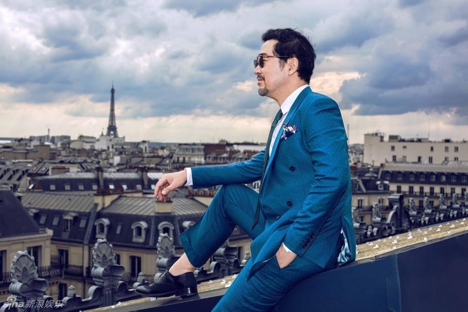 张国立巴黎霸气写真图片