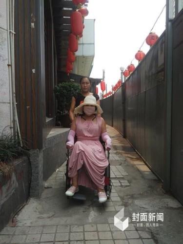 中国第一整容狂人:十几年进行手术200次