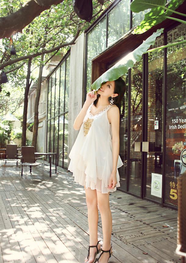 气质美女美裙街拍图片