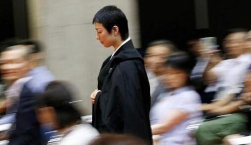 日本颜值最高僧侣走红