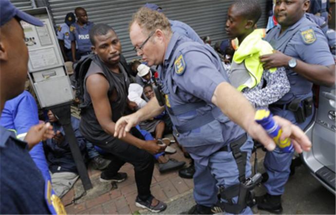 南非爆发排外游行,集体驱逐外来移民竟然如此排外!