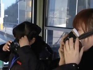 员工戴着防毒面具上班 与你讲述上班那点心