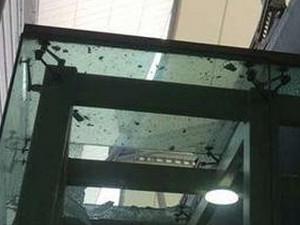 长沙机场发生了一起车祸 女肇事司机可能是